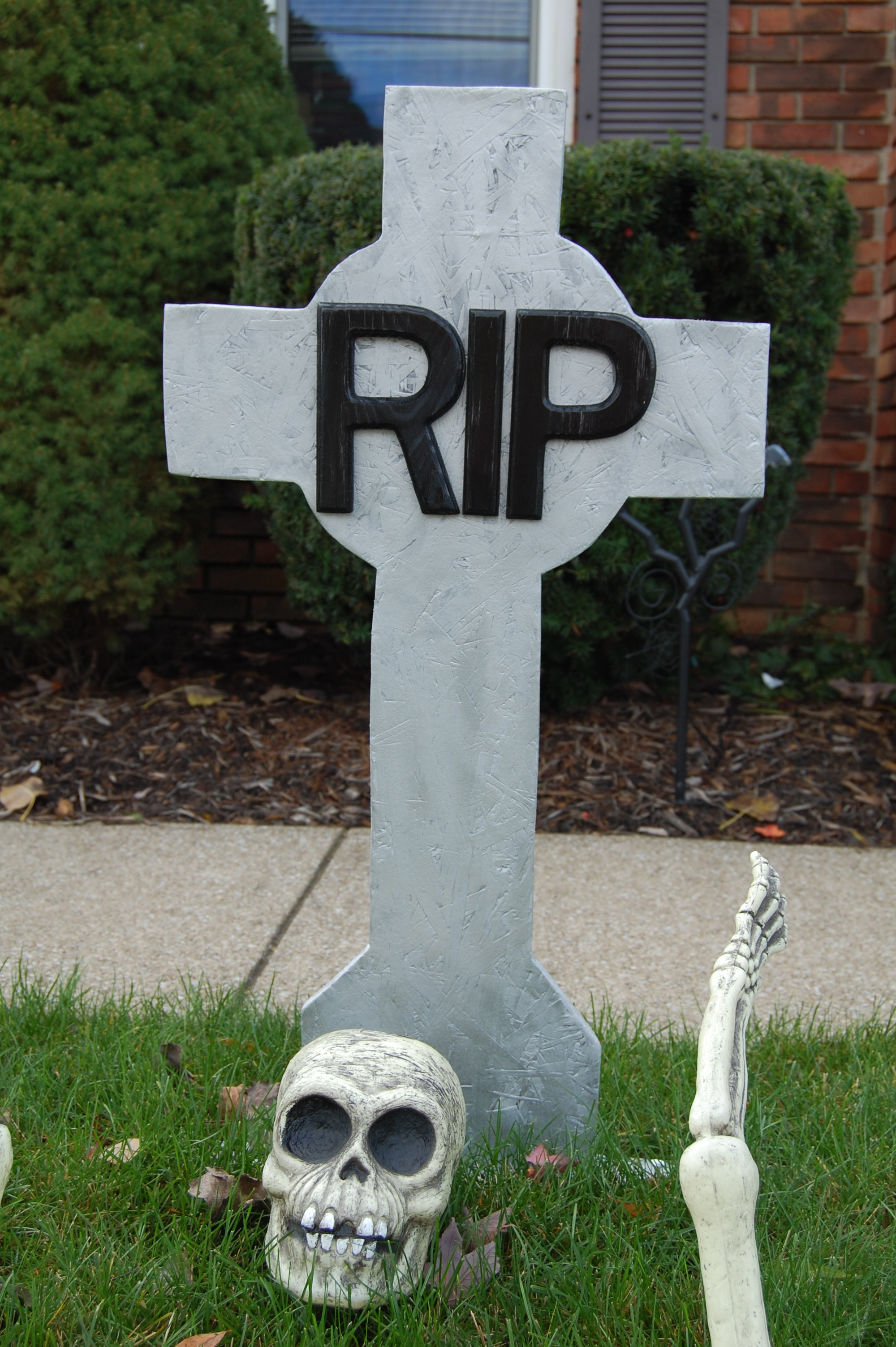 How to Decorate Handmade Tombstones with Stencils | Nikitaland