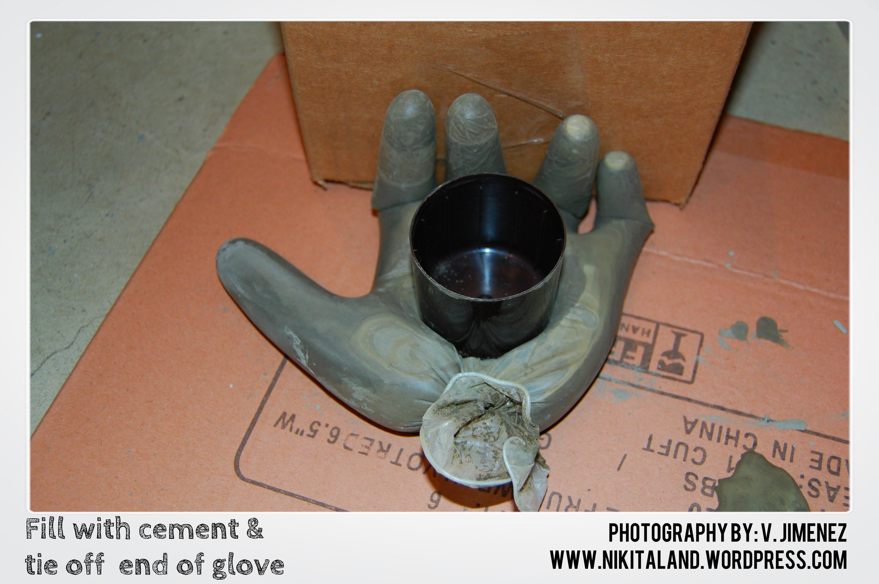 Diy cement hand tealight holder nikitaland for Craft cement mix