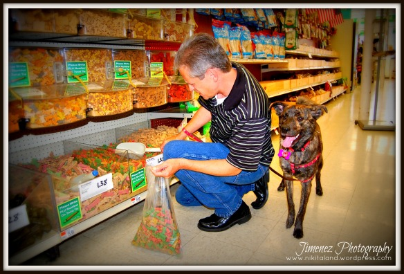 BELLA AND DADDY BUYING TREATS