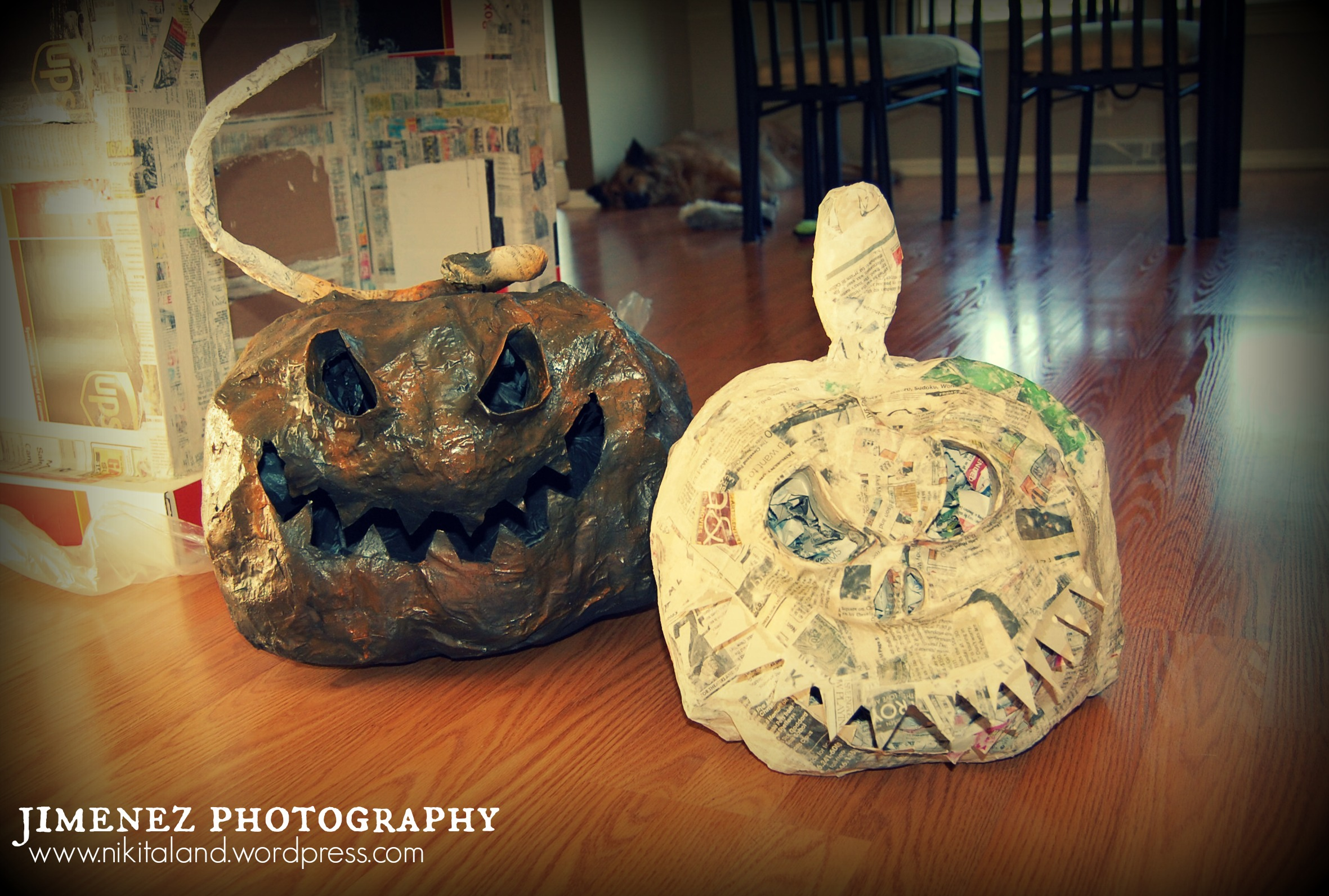 Paper mache halloween projects nikitaland for Easy paper mache crafts
