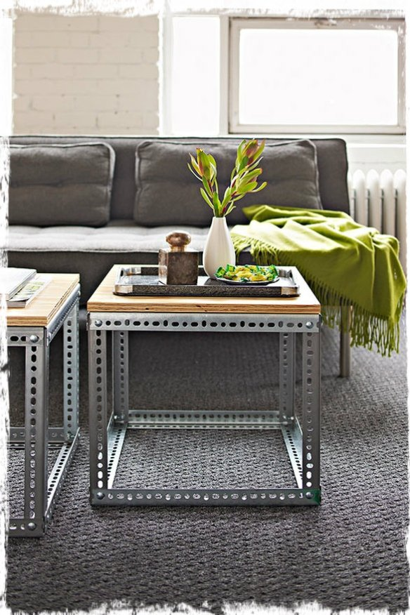METAL AND WOOD SIDE TABLE2