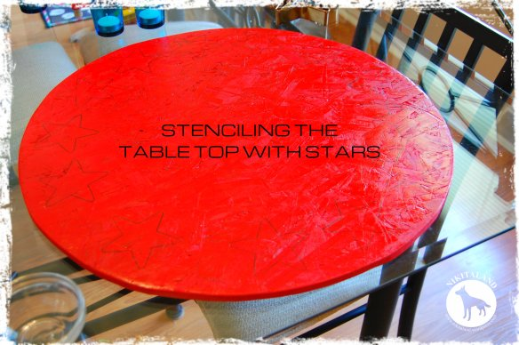 STENCILING THE TABLE TOP