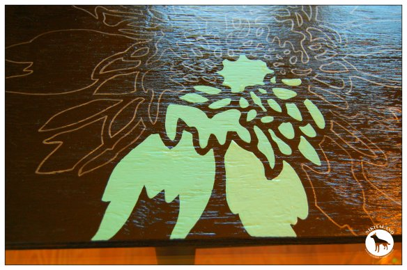 STENCILING A TABLE TOP2