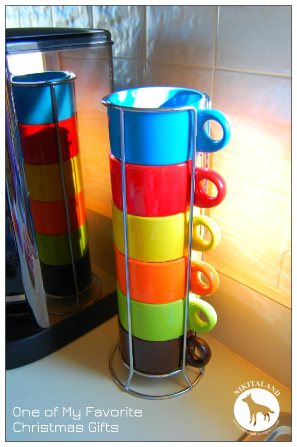 STACKABLE COFFEE CUPS