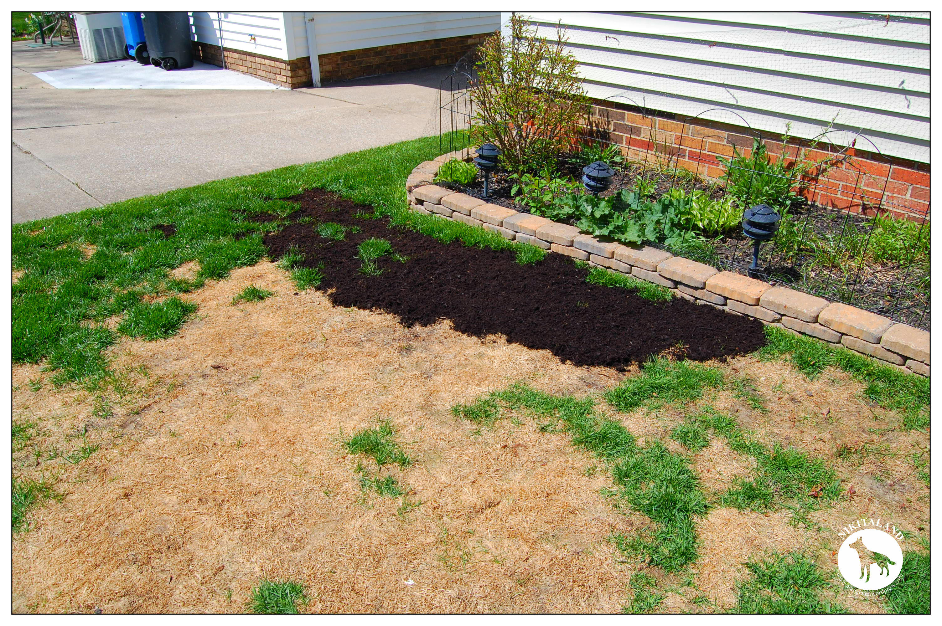 Best way to plant grass seed - Laying Soil Once You Feel That You Have Completely Covered All The Areas You Need With The Topsoil It Is Time To Spread Your Seed You Can Lay Your Grass